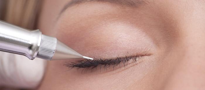 Micropigmentacion en ojos, eye liner permanente , siempre perfectamente maquillada